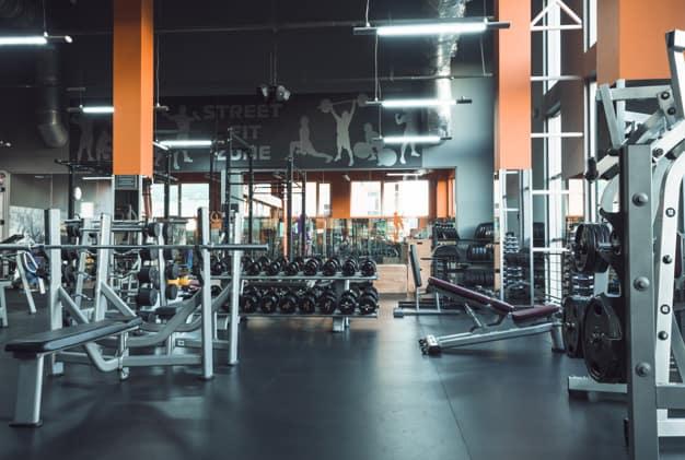 attrezzature-da-palestra-nel-fitness-club